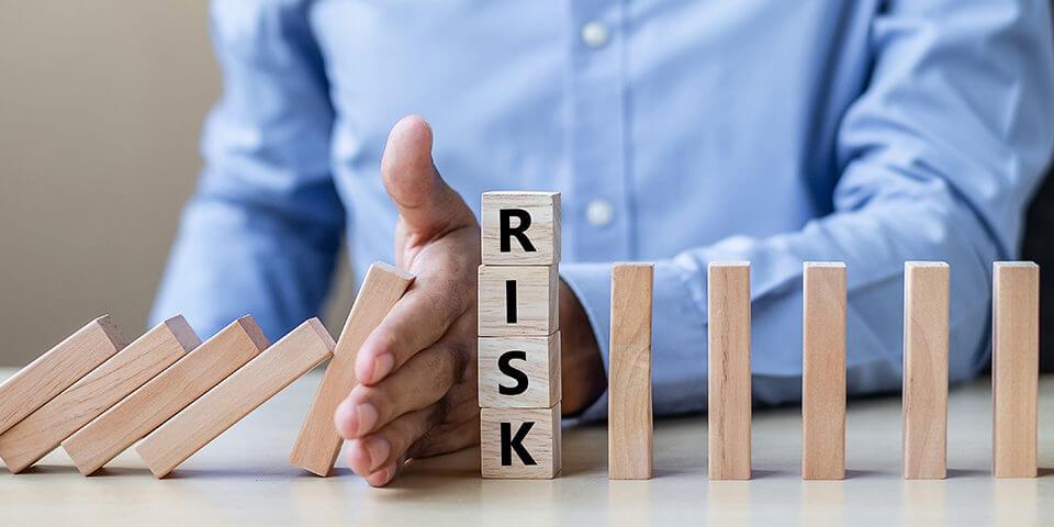 إدارة-مخاطر-التداول-Ashoum.com-أسهم